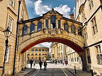 今こそ訪れたいオックスフォードの古い街並み 〜 イギリス